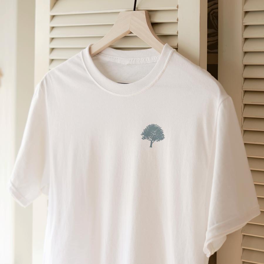 Standard Gildan T-shirt