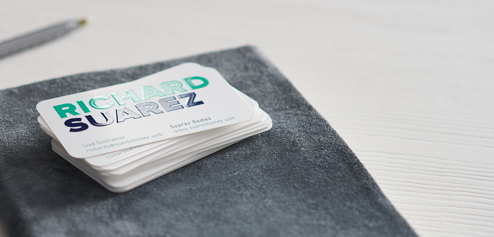 Rounded corner business cards with spot uv