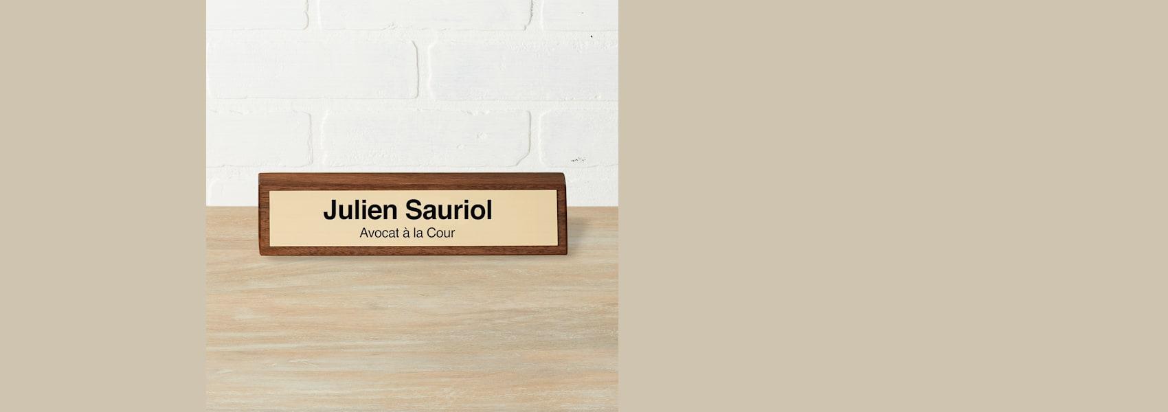 plaques nominatives de bureau personnalisées