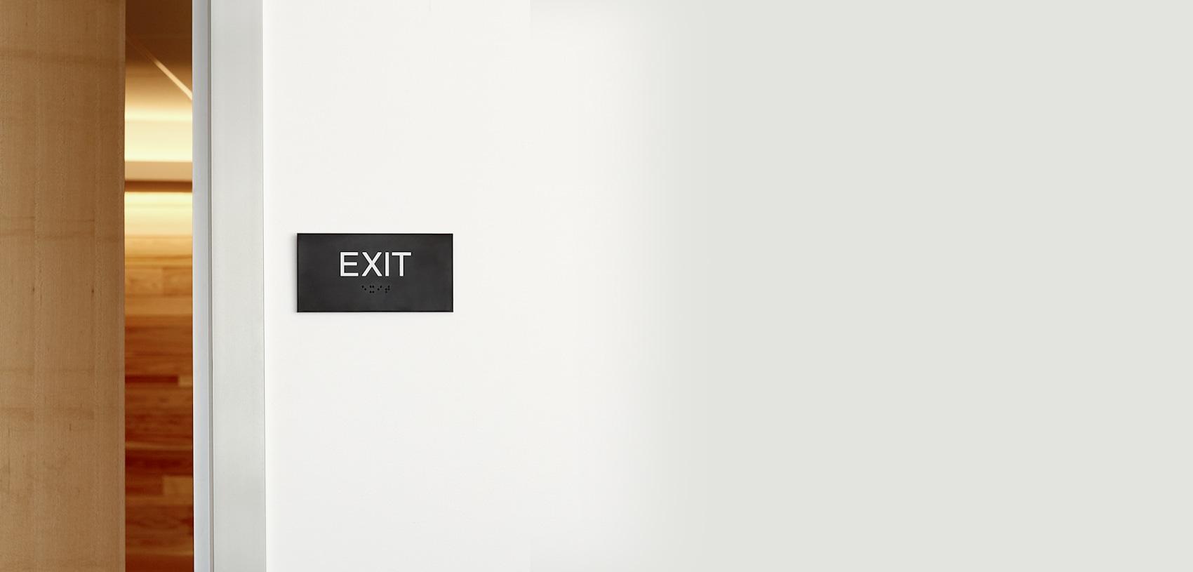 panneaux d'indication du chemin