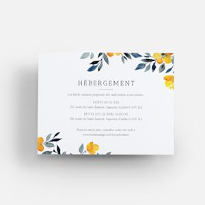carton d'accompagnement avec motif aquarelle de fleur